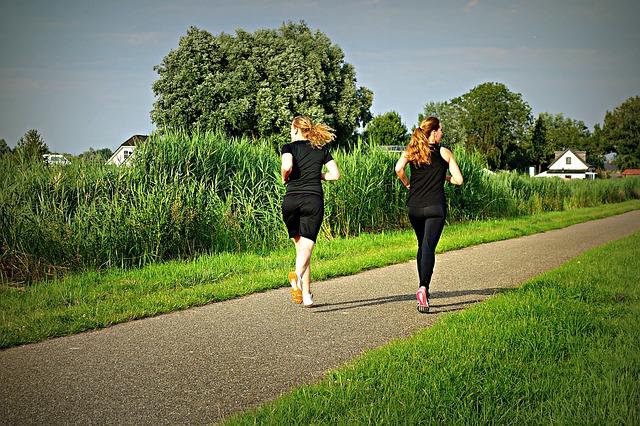 dvě běžkyně
